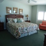 Extra large master suite with bay window overlooking ocean - Tidewater 401